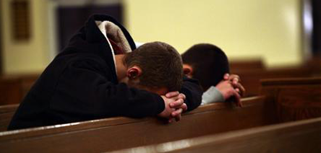 men_praying